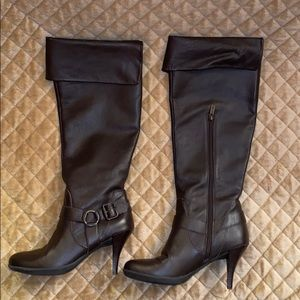 Kenneth Cole Reaction Brown Leather Boots w Heel